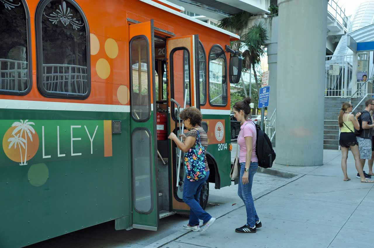 Miami probes why trolley routes are late