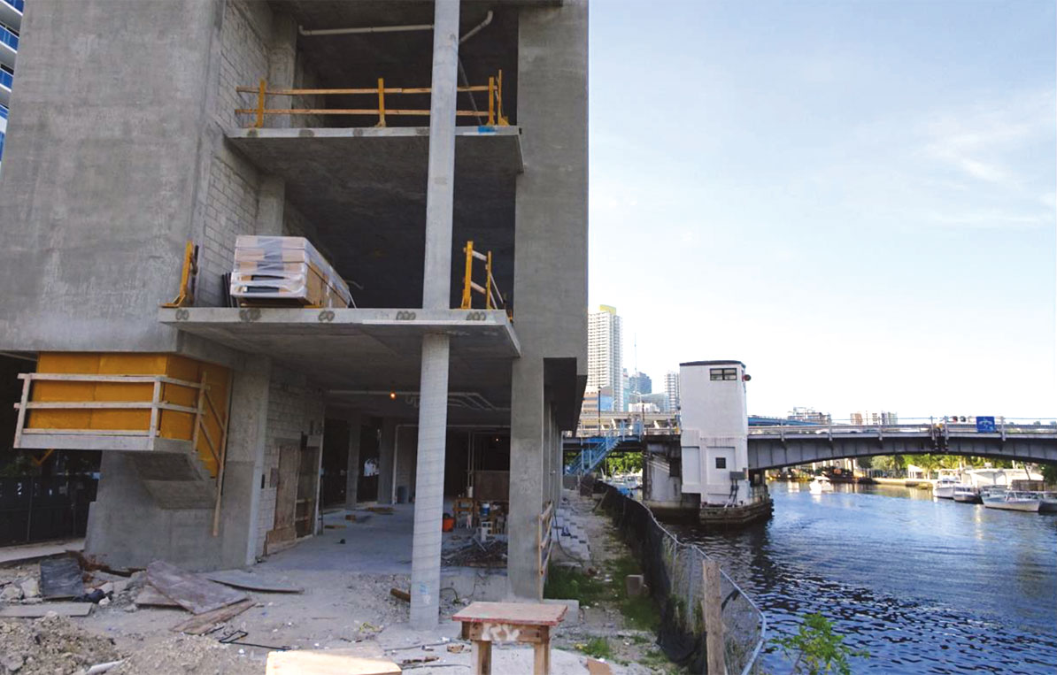 Double-decker restaurant under fire for lack of riverwalk