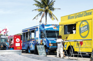 On Miami's menu for food trucks: red tape