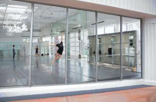 Miami City Ballet offers store-window performances free