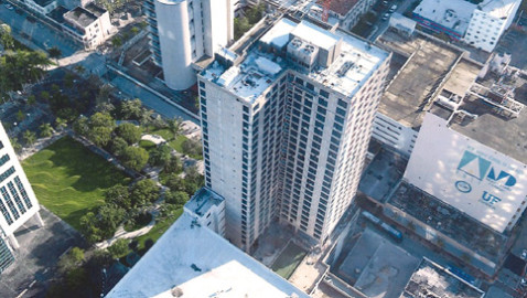 Public-private deal's 31-story downtown Miami residences near