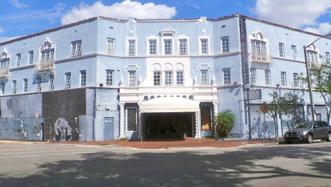 Deal To Reopen Playhouse Advances