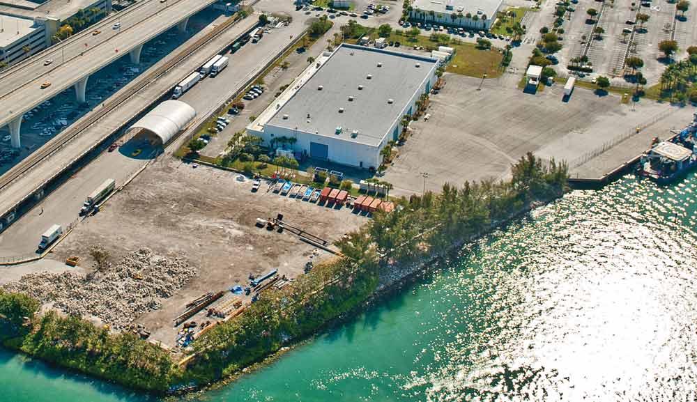 Port to raze warehouses, regain land