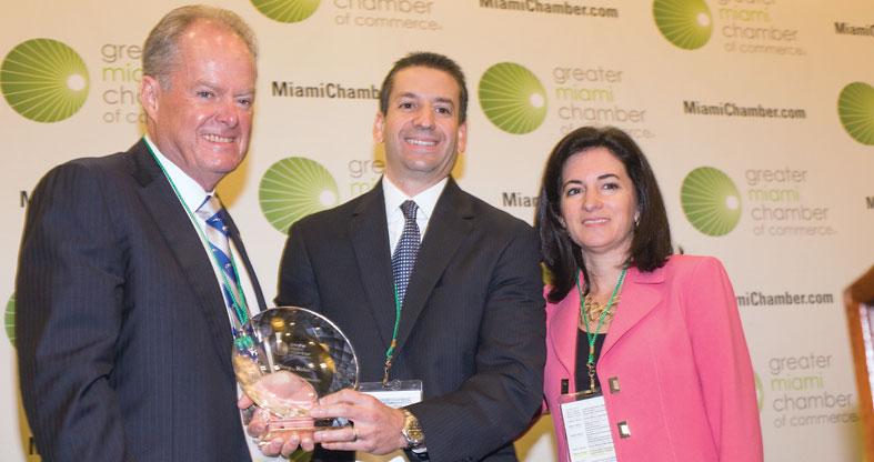 Big award for tech guru Manny Medina
