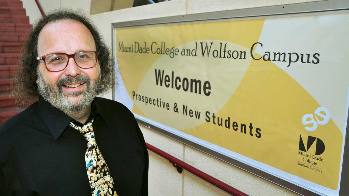 College rolls drop as economy climbs