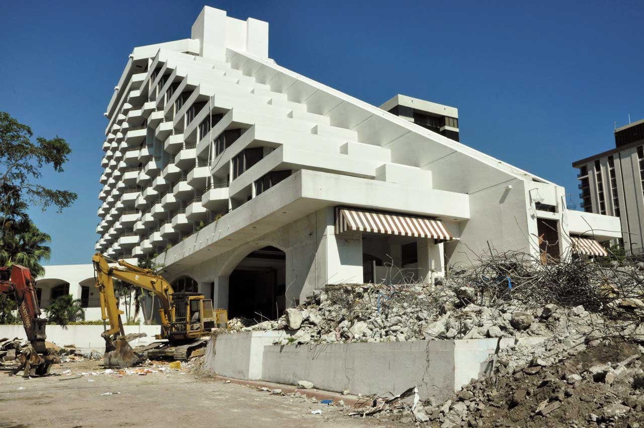 Razing of Grove's Grand Bay Hotel in 2012.