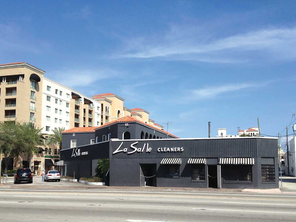 Coral Gables tinkers with fate of oldest downtown building