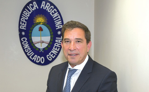 Leandro Fernández-Suárez: Argentine consul general builds bridges to South Florida