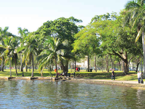 Miami dips toe into monitoring Biscayne Bay water quality